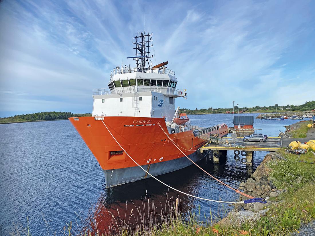 Smøla Viking som Gardwill til kai ved ankomst Smøla før ombygging. Foto: Eines