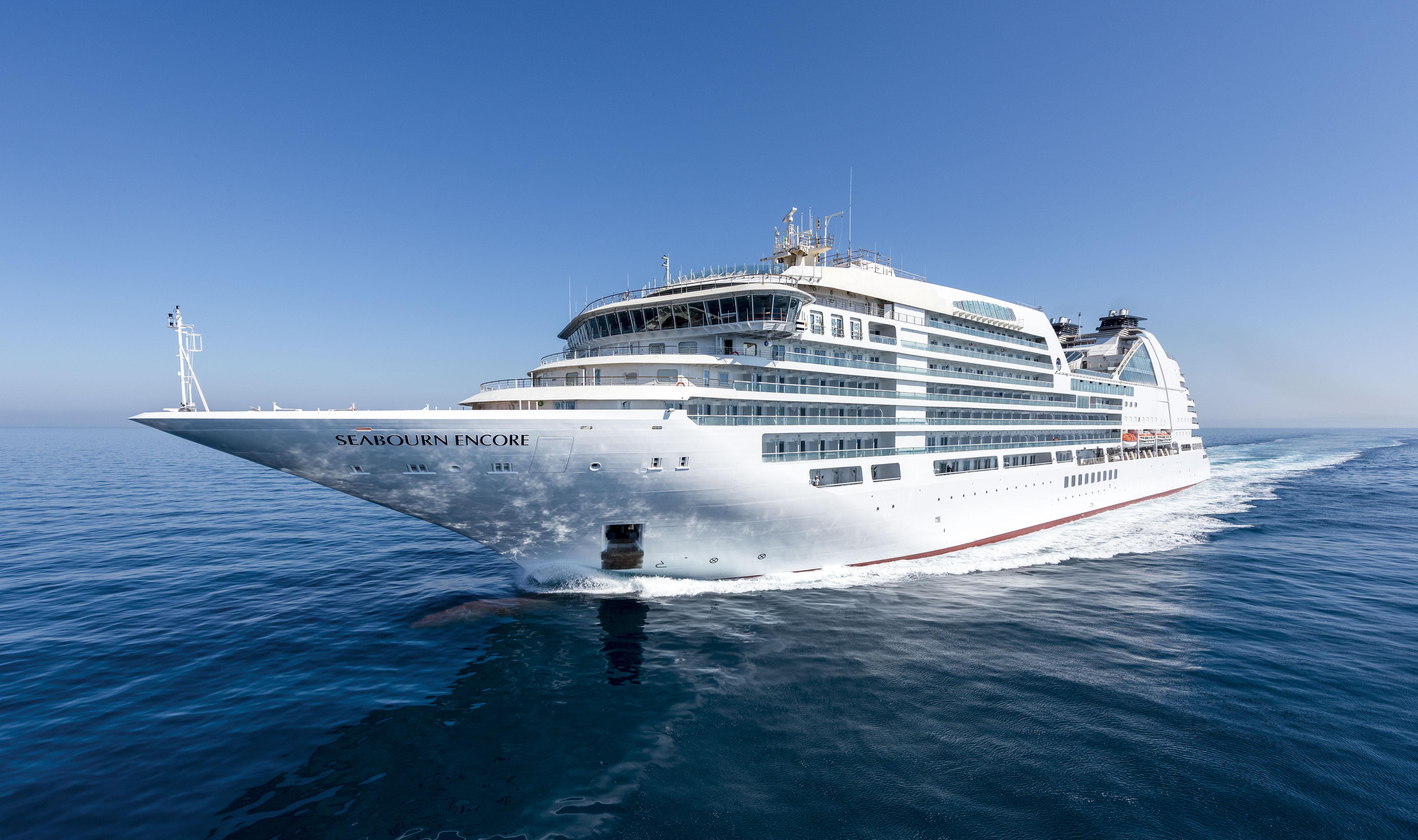 Seabourn Encore fra Fincantieri omtalt i Maritimt Magasin nr. 03-2017. Foto: Seabourn