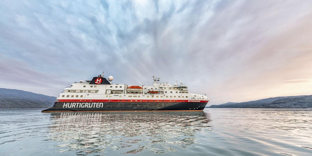 Spitsbergen skal ta passasjerene på ekspedisjonscruise til Afrika for første gang neste sesong. Foto: Hurtigruten