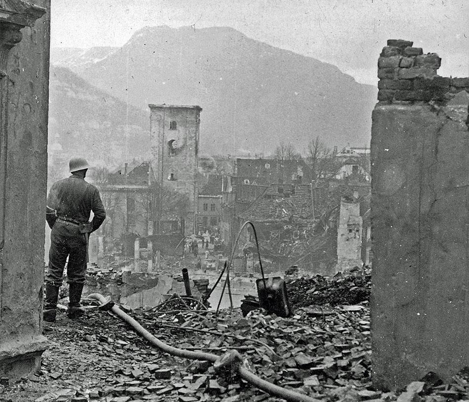 Nordnes i ruiner 1944.