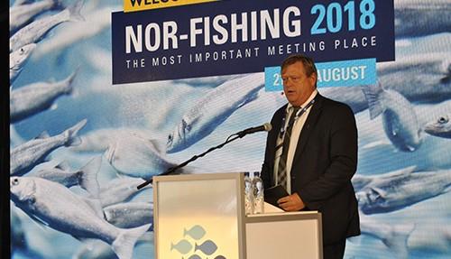 Fiskeriministeren fikk også dele ut årets Innovasjonspris. Foto: John Inge Vikan