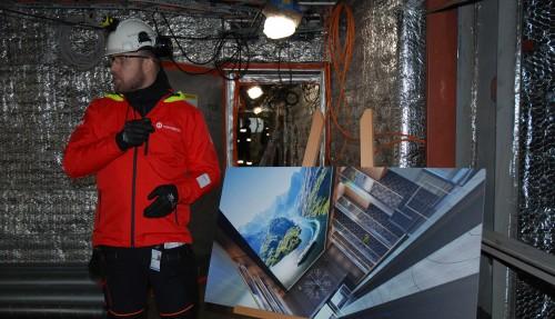 Verdens største LCD-skjerm til sjøs skal komme på plass i Roald Amundsen. Det blir en 7,5 meter høy og 6 meter bred skjerm med 6k-oppløsning. Foto: Kurt W. Vadset