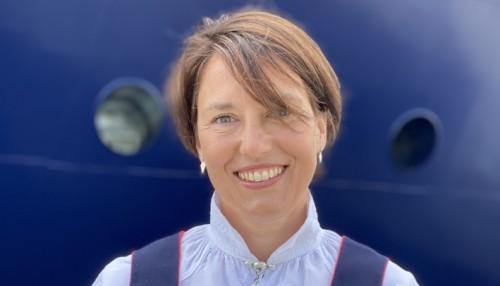 Claudia Hessen var stolt gudmor for skipet. Foto: Island Offshore