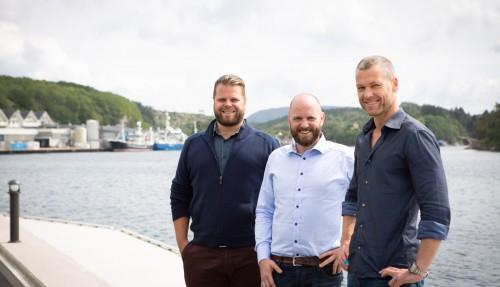 Noen av Marine Manager-gründerne på Austevoll. F.v.: styremedlem/eier Tor Heine Østervold, styremedlem/eier Odd Bjørn Snorrason og styreleder/eier Kjetil Østvold. Foto: Marine Manager