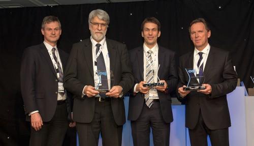 Glade prisvinnarar: Frå venstre Arnstein Eknes (DNV GL), Arnt Olaf Knutsen (Ugland), Tor Henning Vestbostad (Salt Ship Design) og Ståle Rasmussen (Kleven).