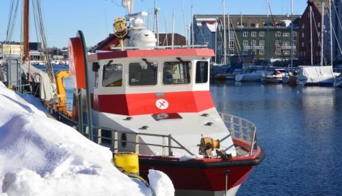 NGUs nåværende forskningsfartøy, «Seisma», har siden 1985 bidratt til stor verdiskaping gjennom forskningsprosjekter, kartleggingsprosjekter og samarbeid med en lang rekke institusjoner og etater. Fotografert ved kai i Trondheim vinteren 2018. Foto: John Inge Vikan.