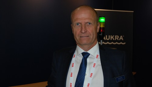 Aukra Maritime-sjef Per Arne Rindarøy sier at de får en jevn sysselsetting et halvt års tid, som følge av kontrakten. Foto: Kurt W. Vadset