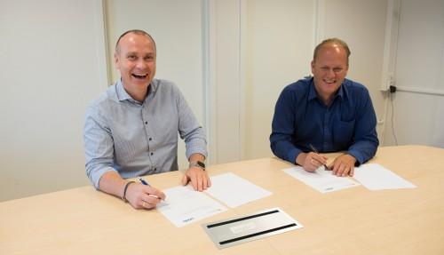 Paul Helland, daglig leder Level Power & Automation og Sveinung Vestbø, daglig leder Bømlo Skipsservice
