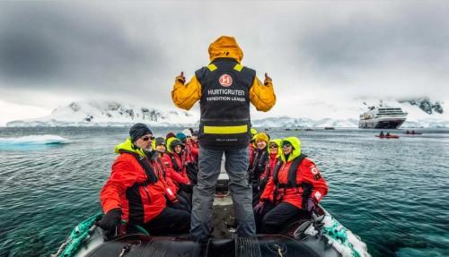 Hurtigruten kommer til å arrangere blant annet kajakkturer i polare strøk. Arkivfoto: Hurtigruten