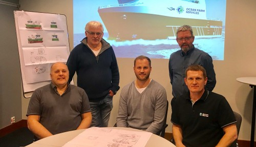 Fra venstre: Gibby Clark (Director, Ocean Farm Services LTD), Ole Andreas Holm (CEO, Marin Design AS), Håkon Rugland (CEO STAMAS Yard Services AS), Ole Arnt Angelsen (Sales Director, Marin Design AS), Colin Leask (CEO, Ocean Farm Services LTD). Foto: Stamas