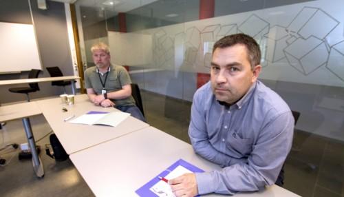 Foran: Kaptein Yara Birkeland, Thomas Fevang. Bak: Site manager new building ASKO, Ragnar Stangring. Foto: USN