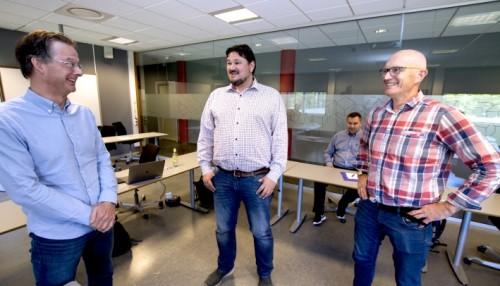 Universitetslektor Tor Erik Jensen (til venstre), prosjektleder Christian Hovden og universitetslektor Paul Nikolai Smit. Foto: USN