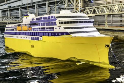 En modell av de nye skipene Havila Group planlegger for bruk i kystruten. Foto: Wavefoil.