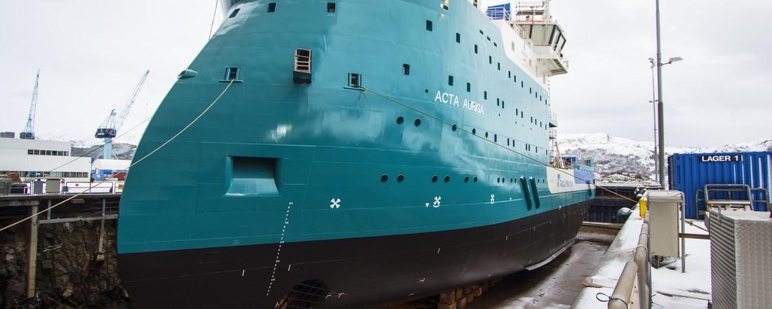 SOV-skipet Acta Auriga ved dokk hos Ulstein. Foto: Ulstein