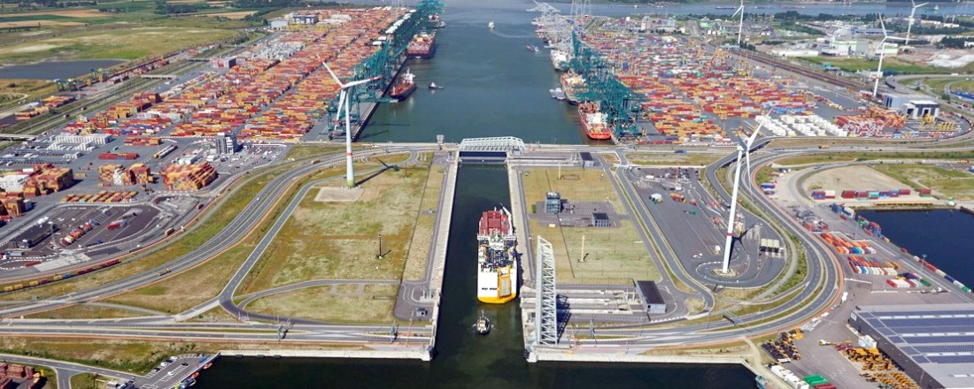 Ship traffic at the port of Antwerp. Credit: Port of Antwerp