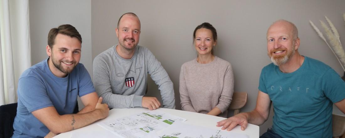 Fra venstre: Salgssjef Viktor Finseth i Moen Marin, teknisk sjef Kristian Hjertvik, prosjektleder Lena Einseth og daglig leder Ove Løfsnæs i AQS.