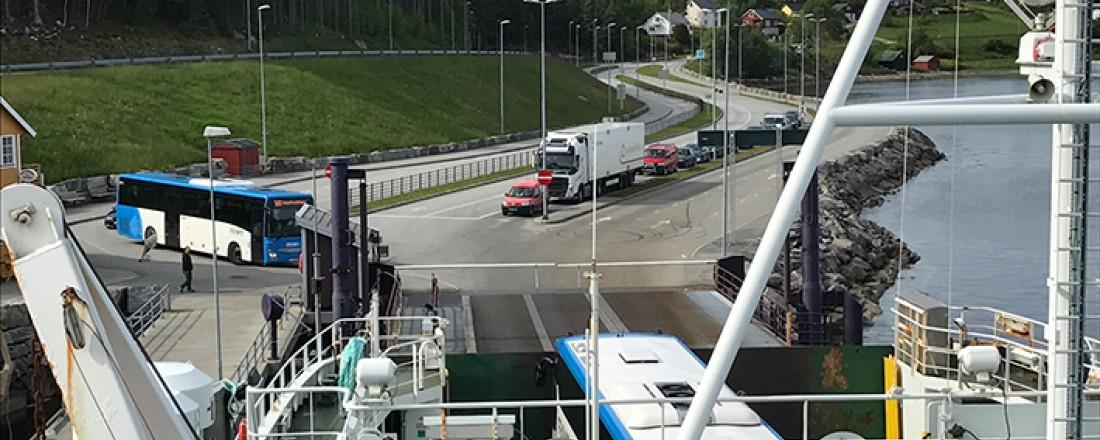Aukra-Hollingsholm er eit av sambanda i den nye kontrakten. Foto: Møre og Romsdal fylkeskommune.