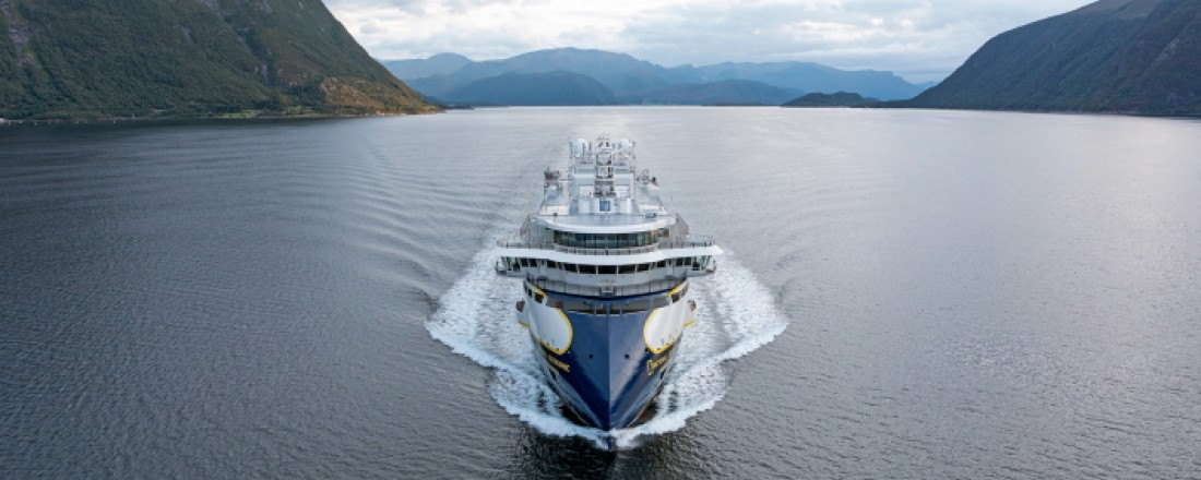 National Geographic Resolution er det andre polare nybygget til Lindblad  frå Ulstein Verft.   Foto: Ulstein Group/Uavpic.com