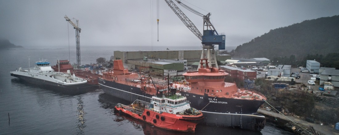 Ronja Storm ved kai på verftet i Leirvik i Sogn Brønnbåten er verftets byggenummer 135. Foto: David Zadig