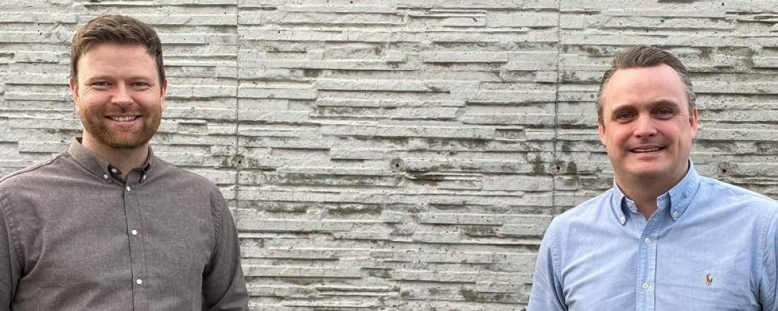 Kristian Osnes, (t.v.) daglig leder i Havyard Hydrogen og Lars Conradi Andersen, Vice President Sales i Havyard Design & Solutions. Foto: Havyard.
