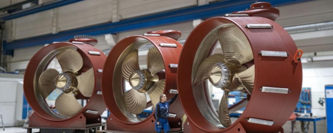 Brunvolls opptrekkbare Azimuth Thrustere er nå å regne for en standard på de fleste nye DP shuttletankere. Bildet viser kun en del av hele thruster-enheten – propelldysen som senkes ned under fartøyet for manøvrering på DP. Foto: Jørgen Eide / Brunvoll AS