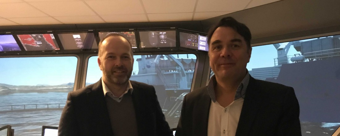 Fra venstre: VP Service & Aftersales Roar Stenersen, MMC First Process og Daglig leder Håvard Stave, FOSAC. Foto: MMC