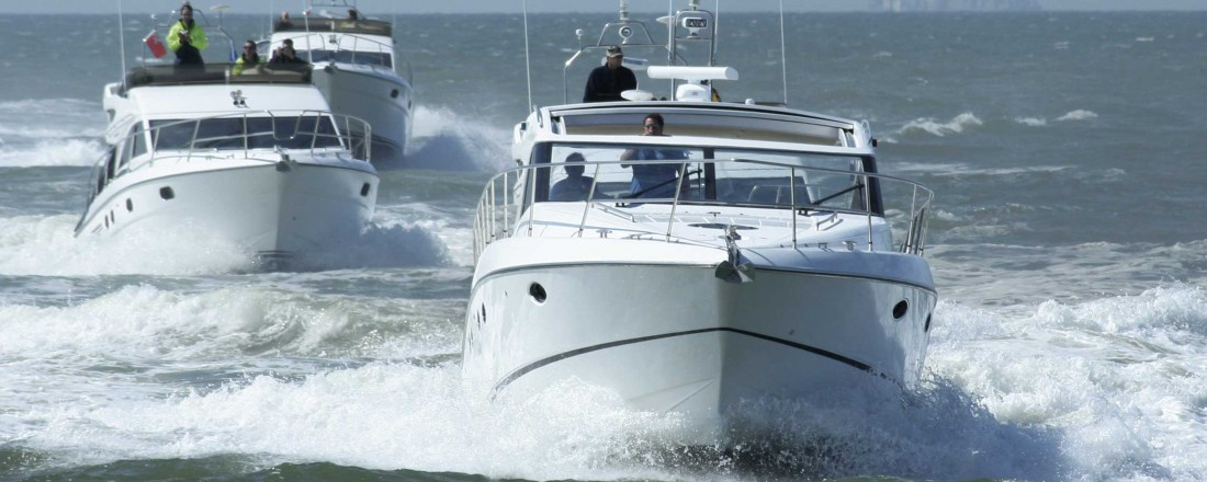 Det er mindre risiko for alvorlige ulykker, om det er flere i båten. Arkivfoto: Scanstochphoto