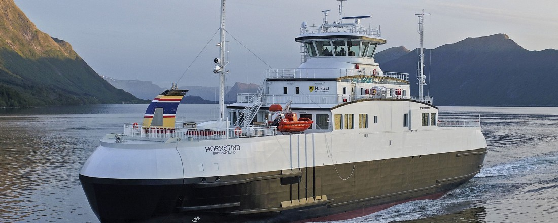 Torghattens nye ferje blir lik Hornstind, levert fra Fiskerstrand Verft i juni 2017. Arkivfoto: Uavpic.com