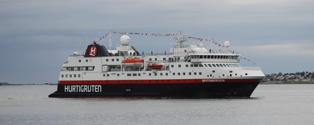 Det ombygde fartøyet Spitsbergen ble 21. juni 2016 overlevert fra Fosen Yard AS til Hurtigruten AS. Arkivfoto: Kurt W. Vadset