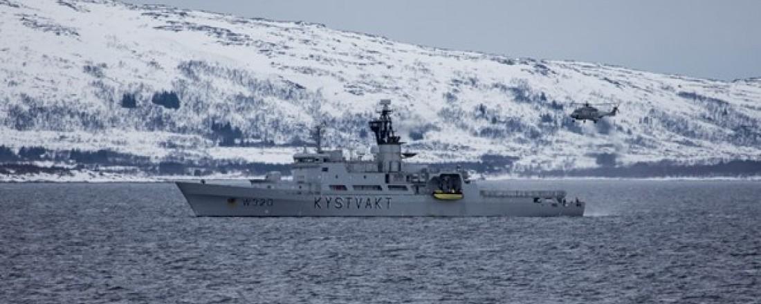 På bildet er KV Nordkapp, som skal erstattes av nye fartøy i klassen. Foto: Lars Røraas, Forsvaret