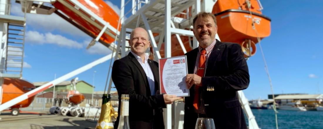 Ian Fleming McCurdie Managing director CRALOG and Peter Worck Nielsen External Sales Manager & Customer Relations Manager Certification Bureau Veritas Denmark. Photo: CRALOG