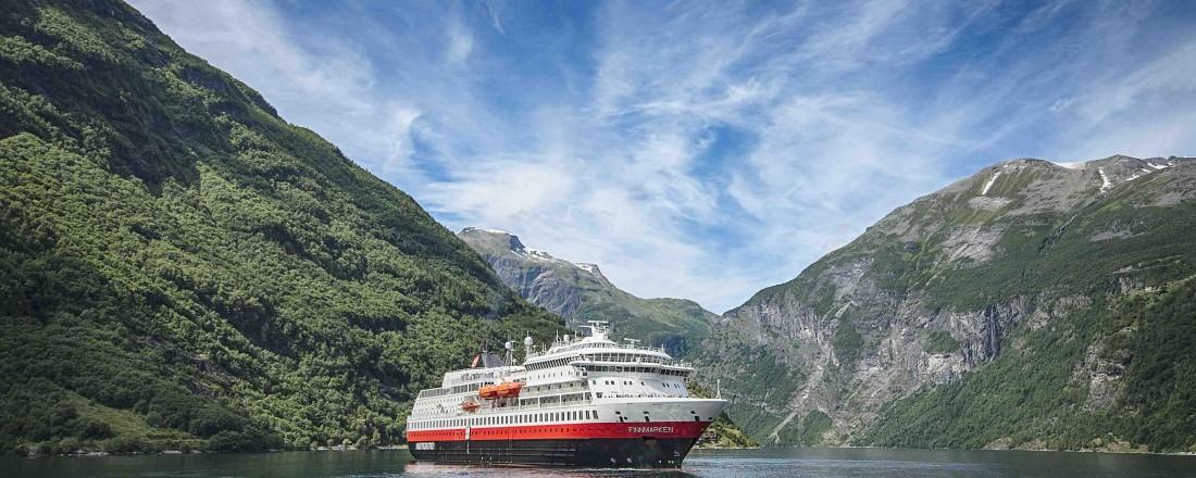 MS Finnmarken skal gjennom en betydelig oppgradering. Foto: Agurtxane Concellon/Hurtigruten
