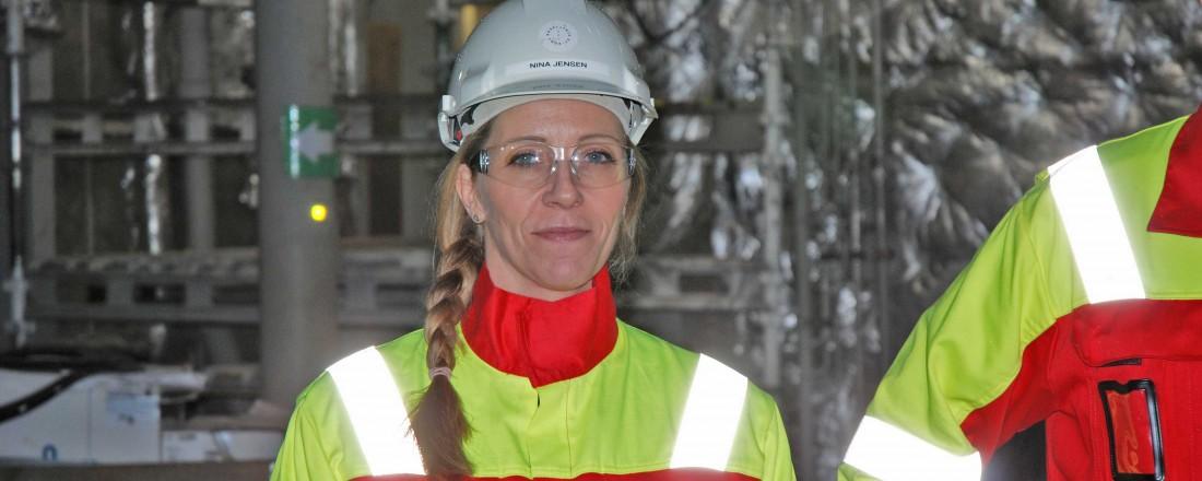 Nina Jensen er CEO i REV Ocean, og har tett oppfølging med byggingen av skipet i Brattvåg. Her er hun avbildet om bord i forskningsskipet, som nå er arbeidsplass for over 500 personer på verftet. Foto: Kurt W. Vadset
