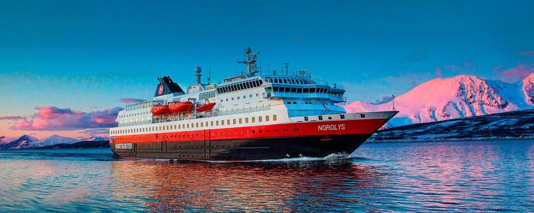 Nordlys er ett av skipene Hurtigruten nå kjøper tilbake. Foto: Hurtigruten AS