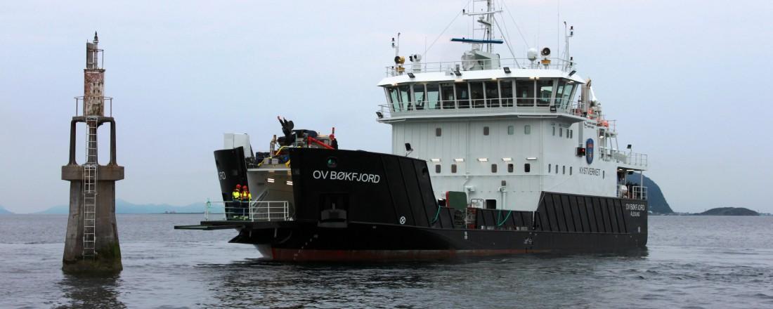 Kystverket Rederis nyeste fartøy OV Bøkfjord har hybriddrift og gode erfaringer med bruk av batteri. Nå er Kystverket en av fire partnere som planlegger et nytt kvantesprang for miljøskip. Foto: Kystverket