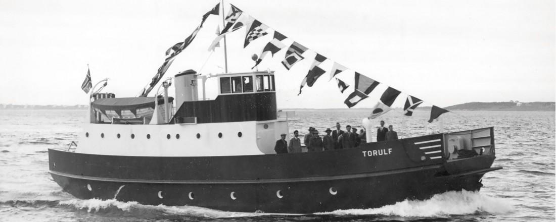 I 1957 bygger Ulstein sitt første stålskip, bilferja Torulf. Arkivfoto: Ulstein Verft