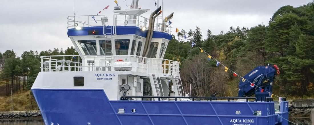 Akrivbilde av nybygget, før Herøy Servicebåt tok den i bruk. Katamaranen har nå blitt kledd i gul farge, og skiftet navn til Tornado. Foto: Folla Maritime