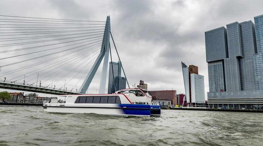 Electric and hybrid ferries for Rotterdam's public transport network.