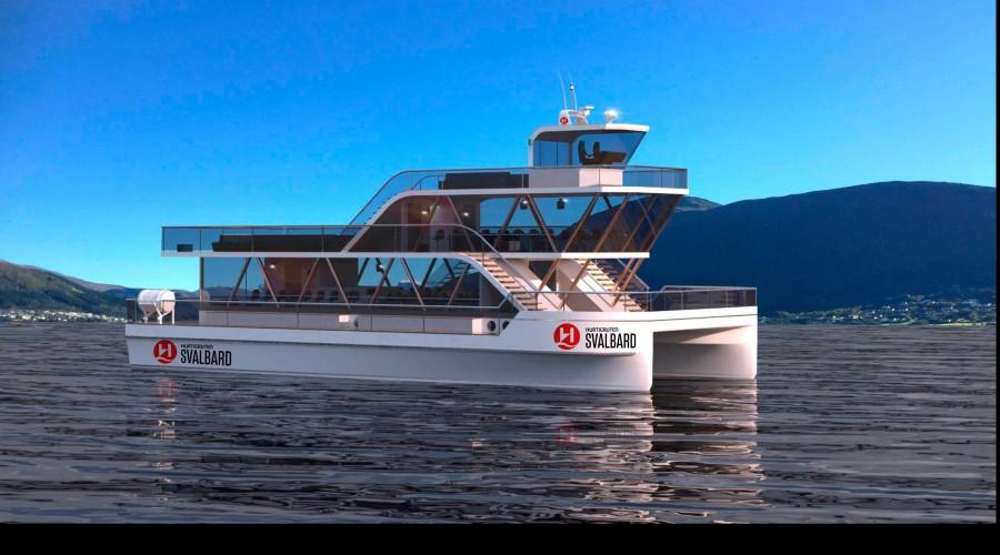 Den elektriske katamaranen MS Bard, som fra 2020 skal seile fra Longyearbyen som en del av Hurtigruten Svalbard. Illustrasjon: Hurtigruten