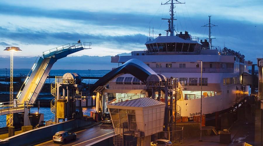 Tycho Brahe (bildet) og Aurora, som går i rute mellom Helsingborg og Helsingør, blir verdens største utslippsfrie, helelektriske ferger med kraft- og fremdriftssystem fra ABB. Foto: ABB