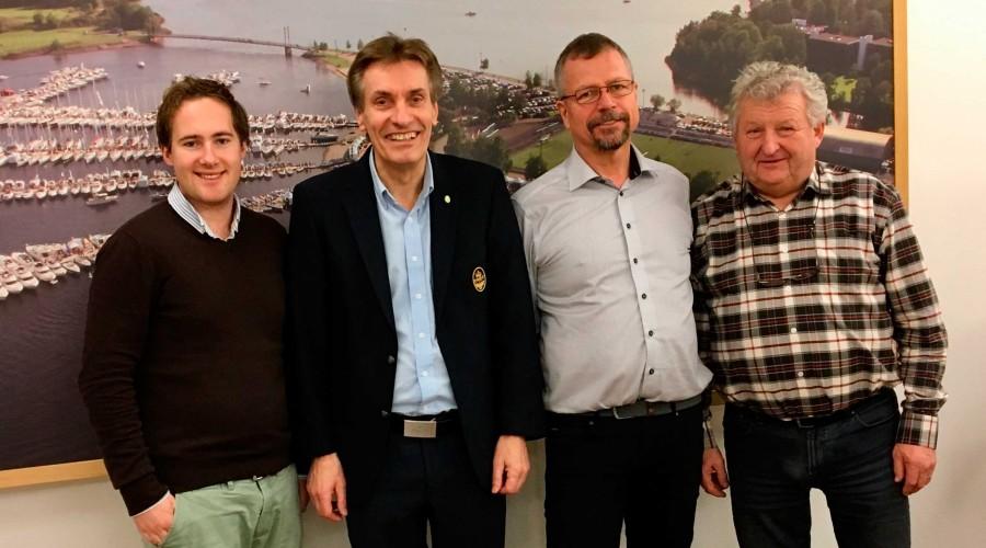 Juryen, fra venstre: Vetle Børresen, VB media, Geir Giæver,KNBF, Thor Messel, Kystverket, Erik Brauner,Norboat. Geir Vareberg, Telenor Kystradio mangler på opptaket. Foto: KNBF
