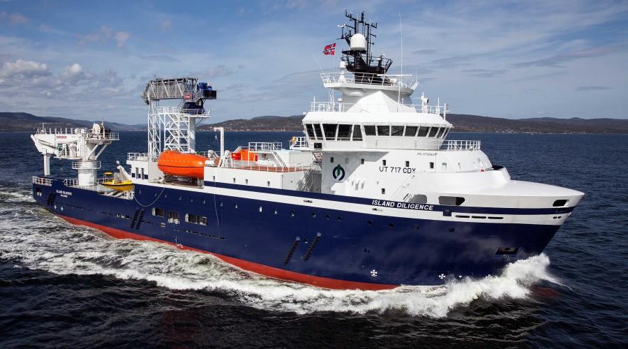 Island Diligence er ombygd til å kunne operere som hotellskip. Foto: G.T. Sandersen