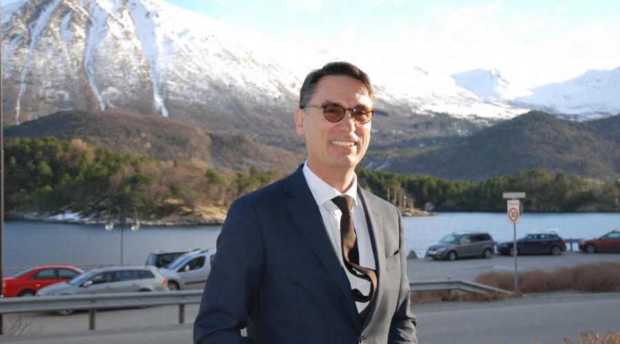 Executive Vice President of Offshore Business Unit Fincantieri og styreleder i Vard, Giuseppe Coronella, her fra et tidligere besøk på Sunnmøre. Arkivfoto: Kurt W. Vadset
