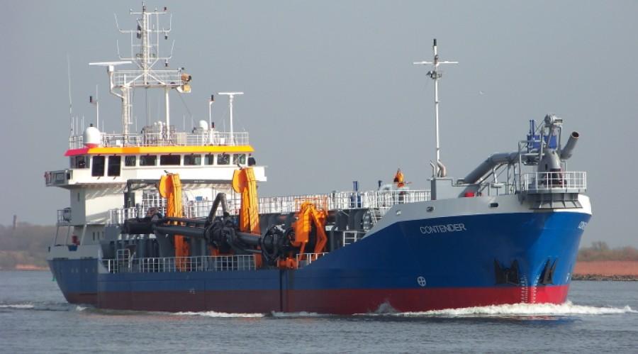 Van Oord trailing suction hopper dredger 'Contender'. Photo: Van Oord