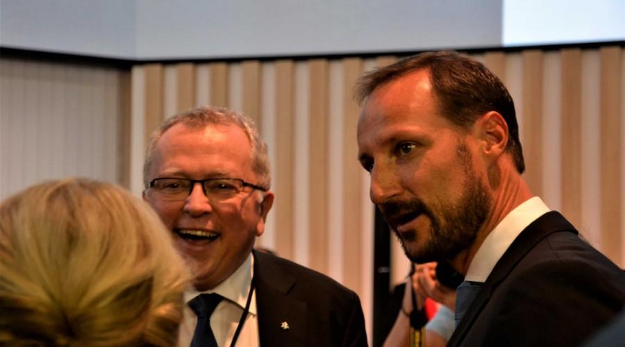 Equinor-sjef Eldar Sætre heldt ei strålande mottaking for Kronprins Haakon under opninga av ONS 2018 måndag føremiddag. Foto: Thomas Førde