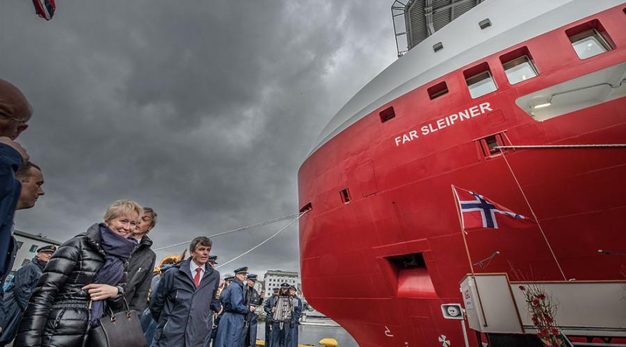 Gudmor Nicoletta Giadrossi sammen med styreleder i Farstad Shipping Sverre A. Farstad.