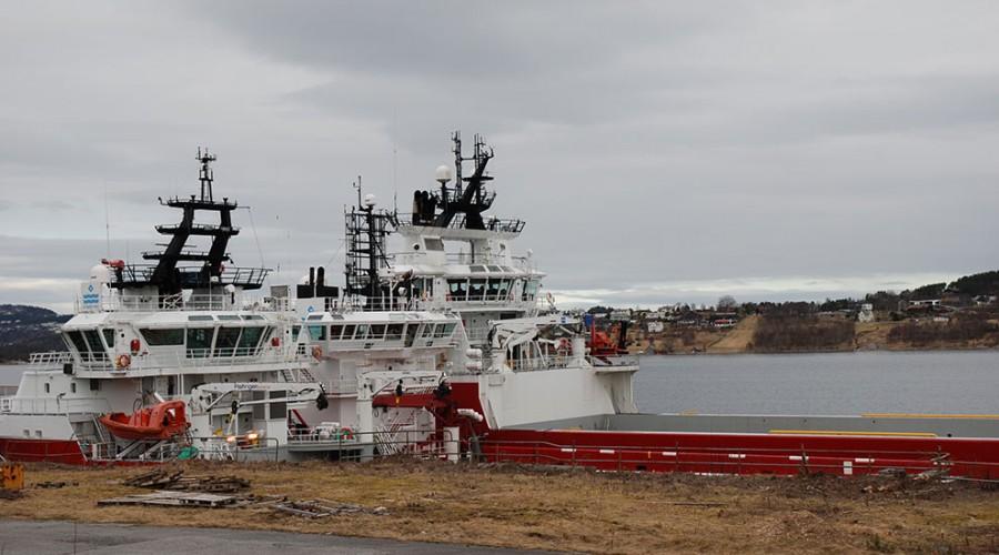 Farstad-båter som ligger i opplag. Nå får båtene i spotmarkedet i Nordsjøen oppdrag innen oppdrett. Foto: Kurt W. Vadset