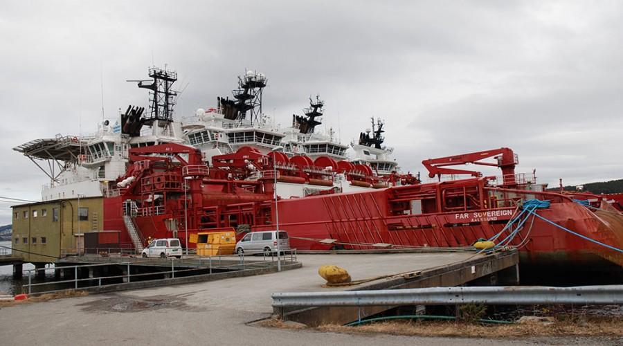 Farstad-skip i opplag i Ålesund. Foto: Kurt W. Vadset