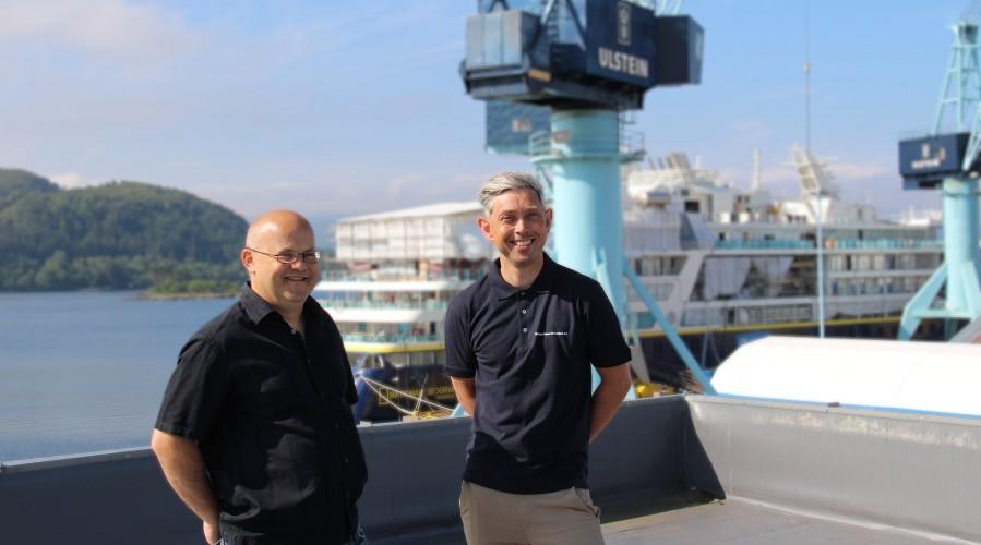 Ove Dimmen, salssjef i Ulstein Verft og Rolf Ottar Rovde, salssjef i Ulstein Power & Control. Foto: Ulstein Verft