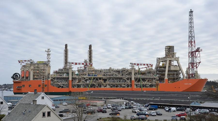 Glen Lyon» som er 270 meter langt og 52 meter bredt er det største produksjonsskipet som har lagt ved kai hos Aibel i Haugesund. Foto: Thomas Førde